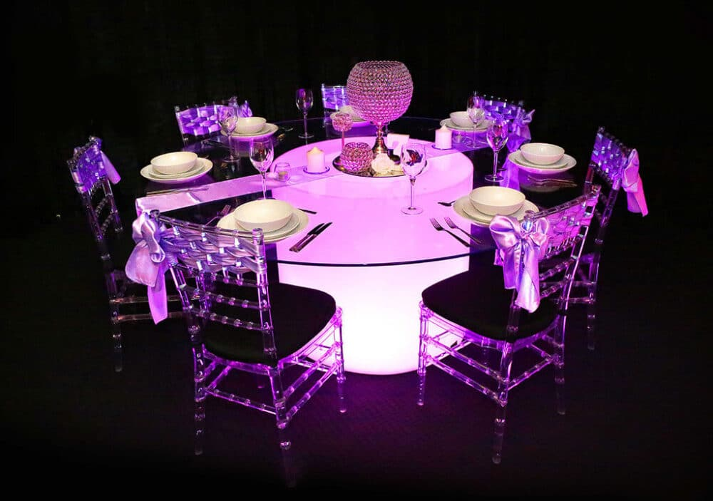 Banquet Table Tiffany Chairs